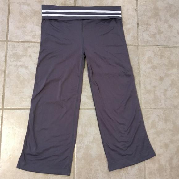 c220867fe109fb Champion Pants | Womens Gray Capri Leggings Athletic Pant | Poshmark